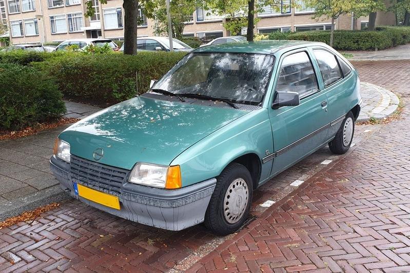 Opel kadett.1.png